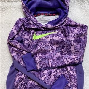 Nike therma fit hoodie size 6x